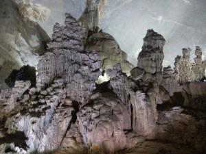hohe-hoehle-stalagtiten