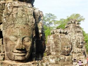 steinerne gesichter am bayon tempel